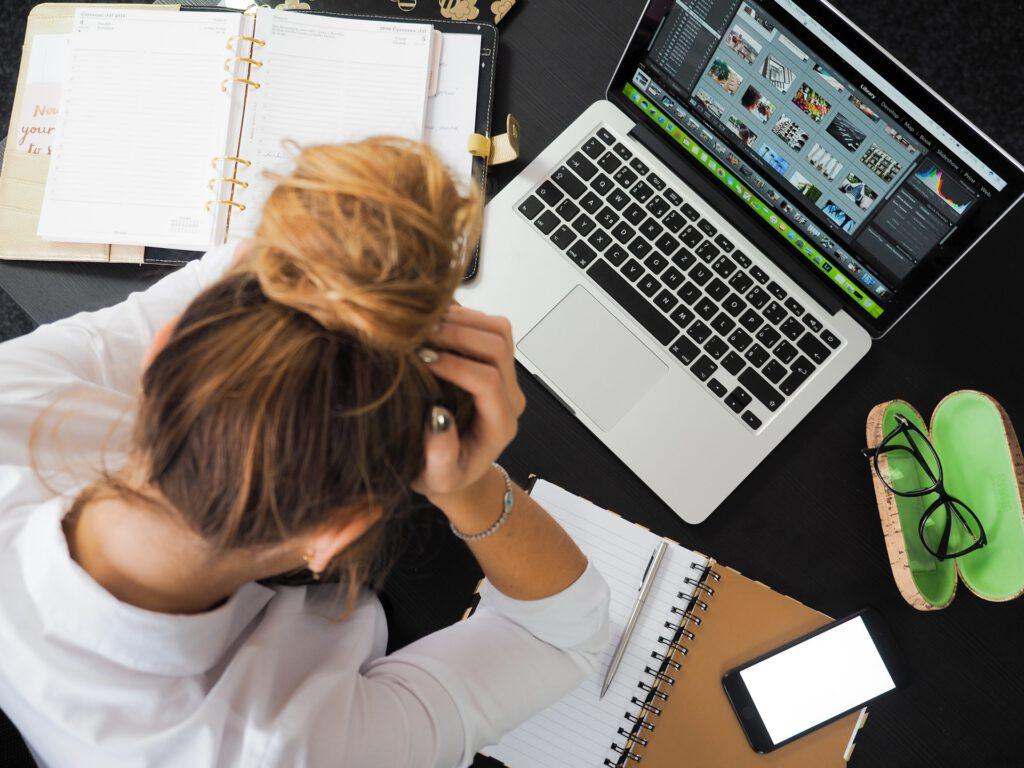 zuviel Stress führt irgendwann zu einem Burnout